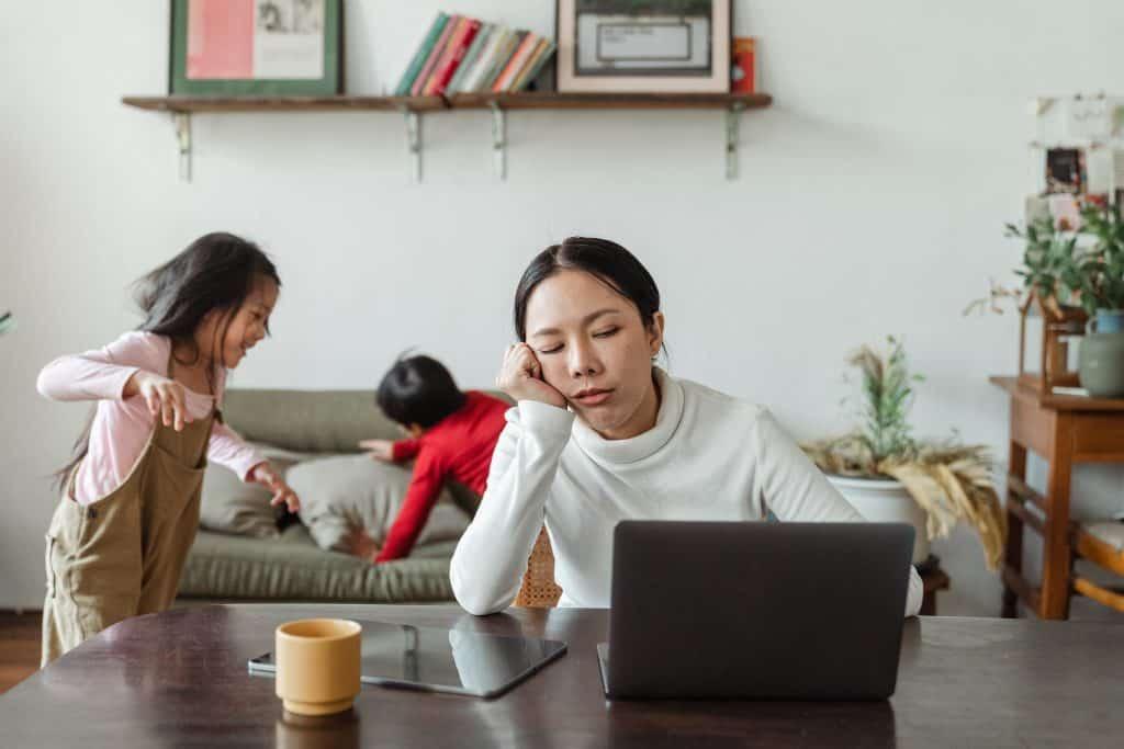 Jak zvládnout práci z domova s dětmi?